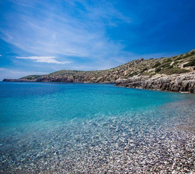 Η παραλία την Αυλωνιάς στην Νότια Χίο